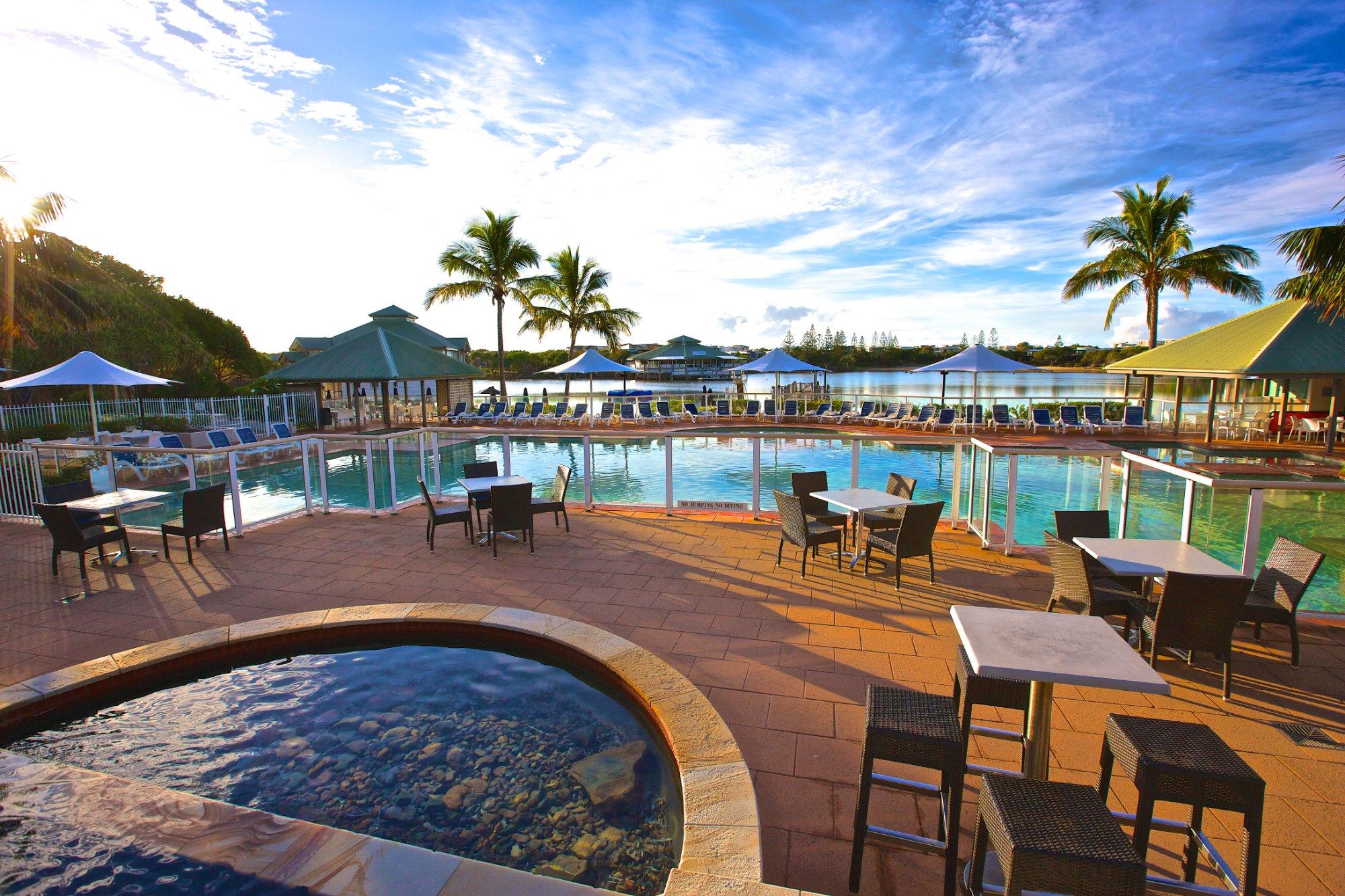 novotel-twin-waters-resort