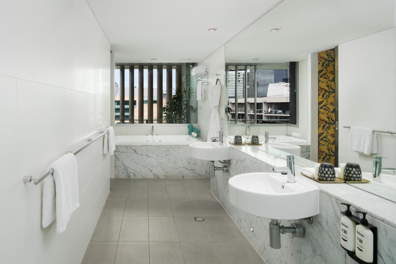 brisbane-hotels-with-jacuzzi-spa